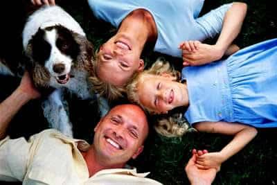 petrede-cachorro-com-familia