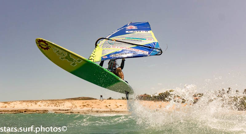 Phil Soltysiak windsurfing in front of Club Ventos in Jericoacoara, Brazil. Photo by Montorfano Andrea.