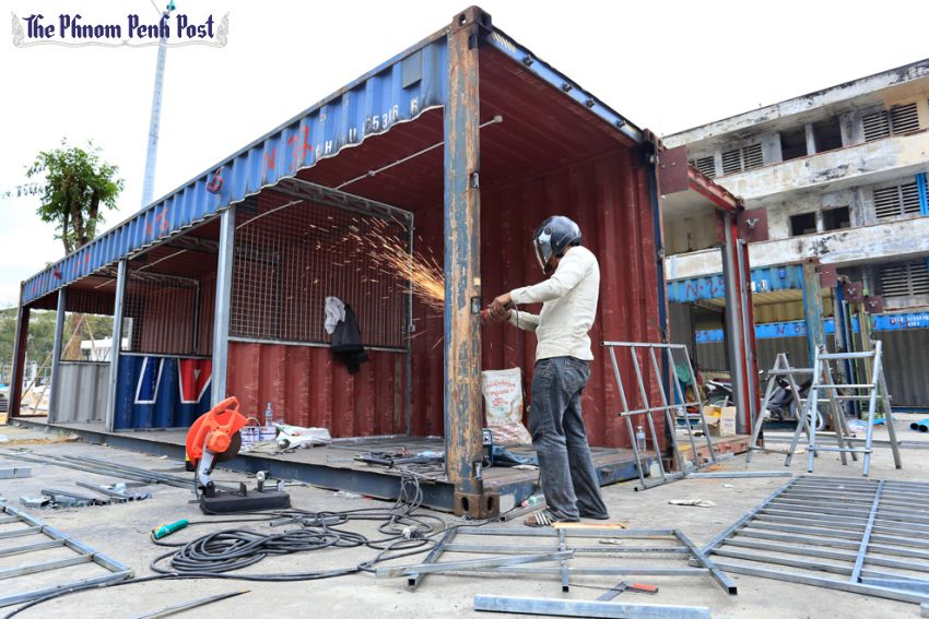 Space Fills Quickly In Container Market Business Phnom