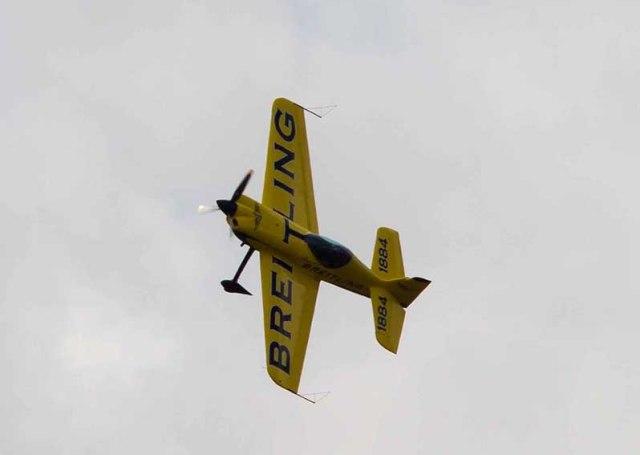 l'avion de voltige EXTRA 330 SC©photo Patrick Clermont
