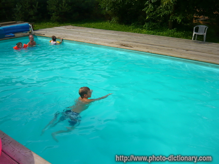 swimming-pool - photo/picture definition at Photo Dictionary