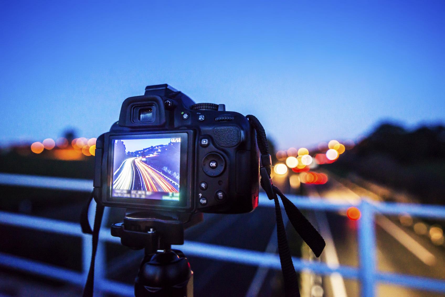 Stai pensando ad una nuova fotocamera? Considera questi benefici