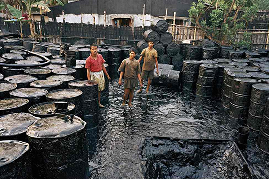 """""""Recycling #2 Chittagong Bangladesh 2001"""""""