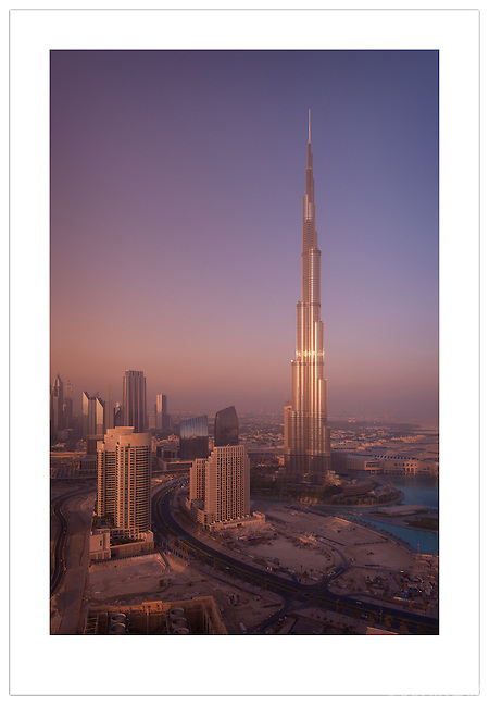 Burj Khalifa and the Dubai skyline  (© 2012 Ian Mylam)