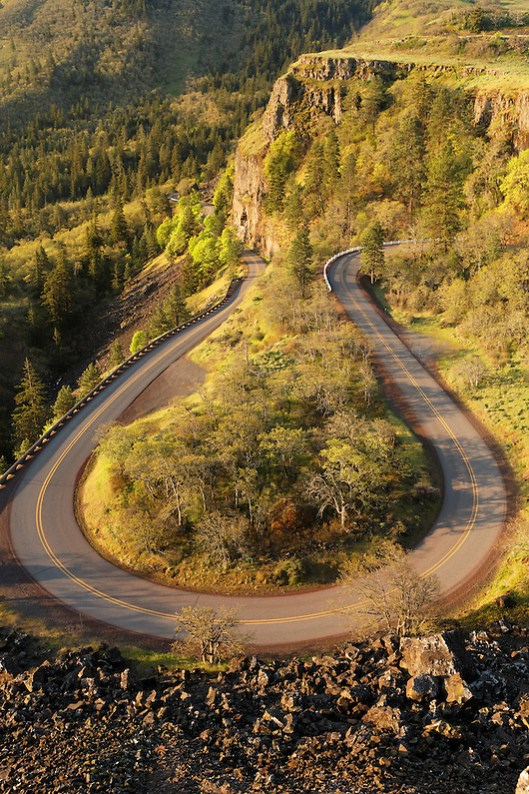 Scenic Highway 30 takes a hairpin curve descending from the Rowena Plateau, Rowena, Oregon, USA