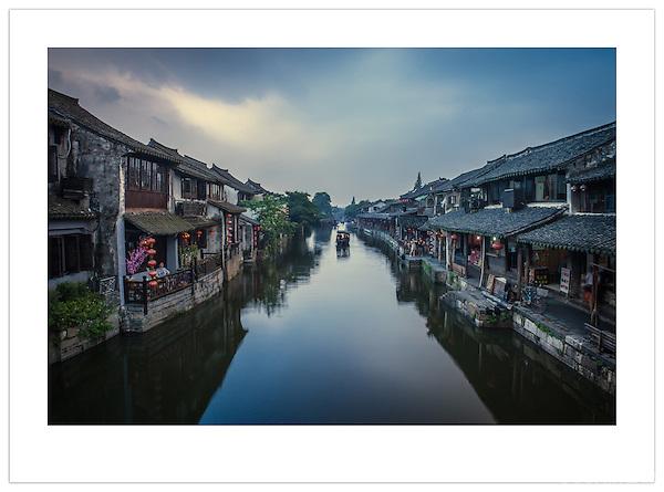 A waterway in Xitang, Zhejiang, China (Ian Mylam/© Ian Mylam (www.ianmylam.com))