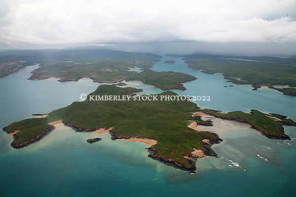 Aerial view of Margaret Island in the Buccaneer Archipelago on the Kimberley coast. (Richard Costin/© Richard Costin | Kimberley Media 2010)