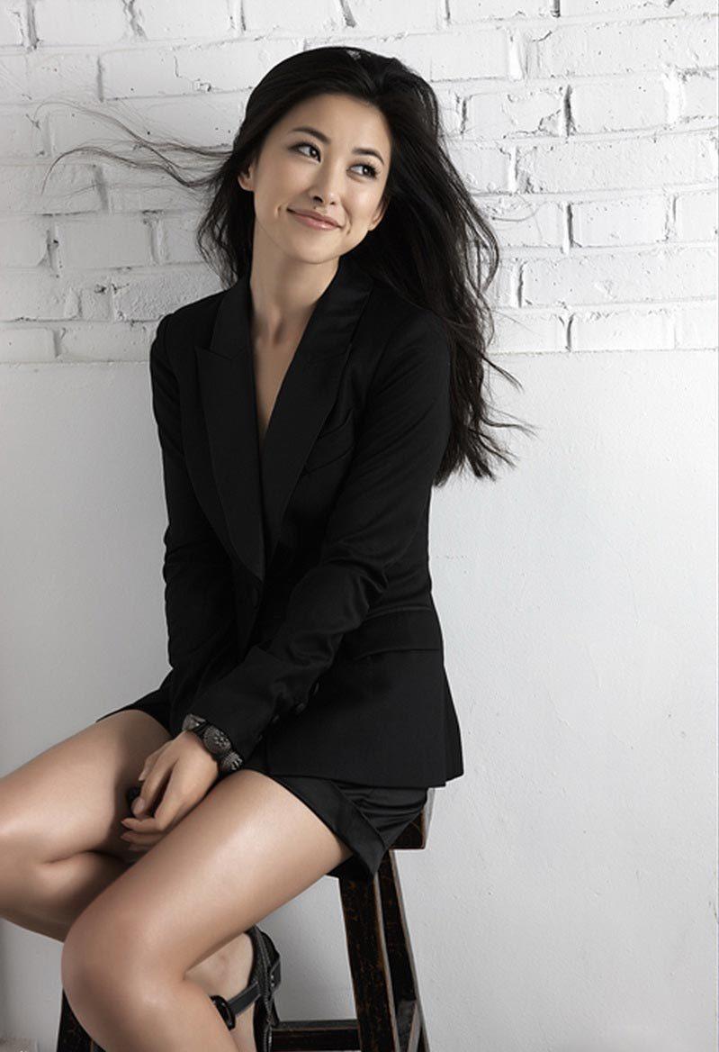 Unseen Girl Wallpaper Pictures Salman Khan S Tubelight Co Star Zhu Zhu Sexy