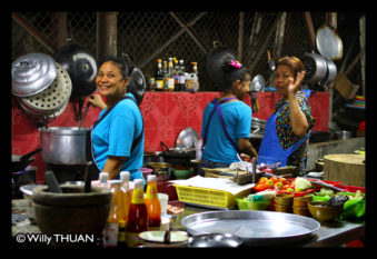 nam-yoi-phuket-kitchen