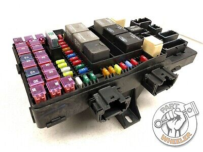 FORD EXPEDITION LINCOLN Navigator 2003 - 2006 Fuse Box / Fuel Pump