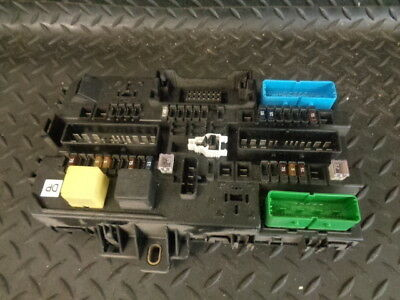2006 VAUXHALL ASTRA H Mk5 19 Cdti Rear Boot Fuse Box 13206757 He