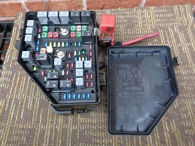2010 2011 BUICK Enclave Fuse Box Engine without Tow Package - $5250