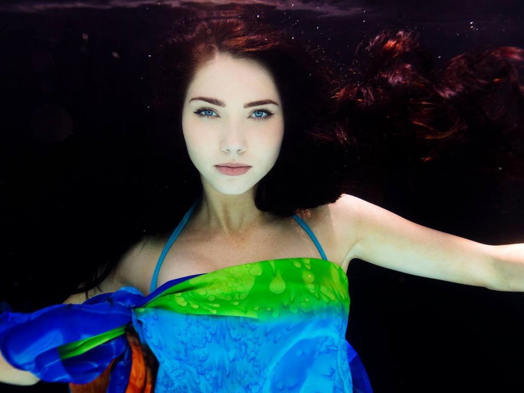 Love Quotes Wallpapers For Android Phones Desktop Wallpaper Jessica Green Underwater Celebrity Hd