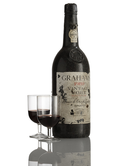 Grahams 1980 vintage port bottle