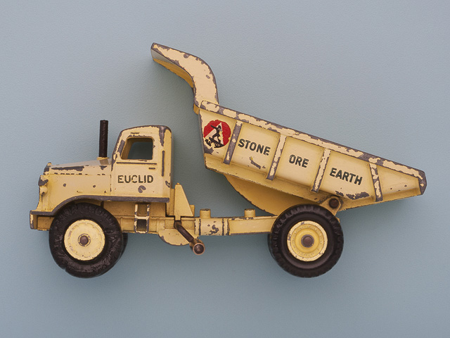 Earth moving tipping lorry model.