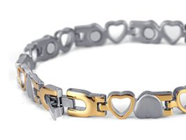 Rainso Titanium Heart Design Magnetic Health Bracelet For