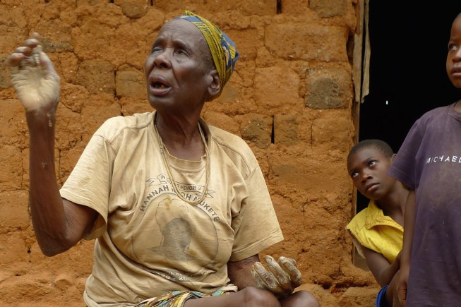 Mami Mbang from Ajumbu, one of the last traditional pot makers in Lower Fungom