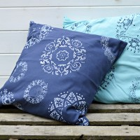 How to Doily Stencil a Cushion / Pillow