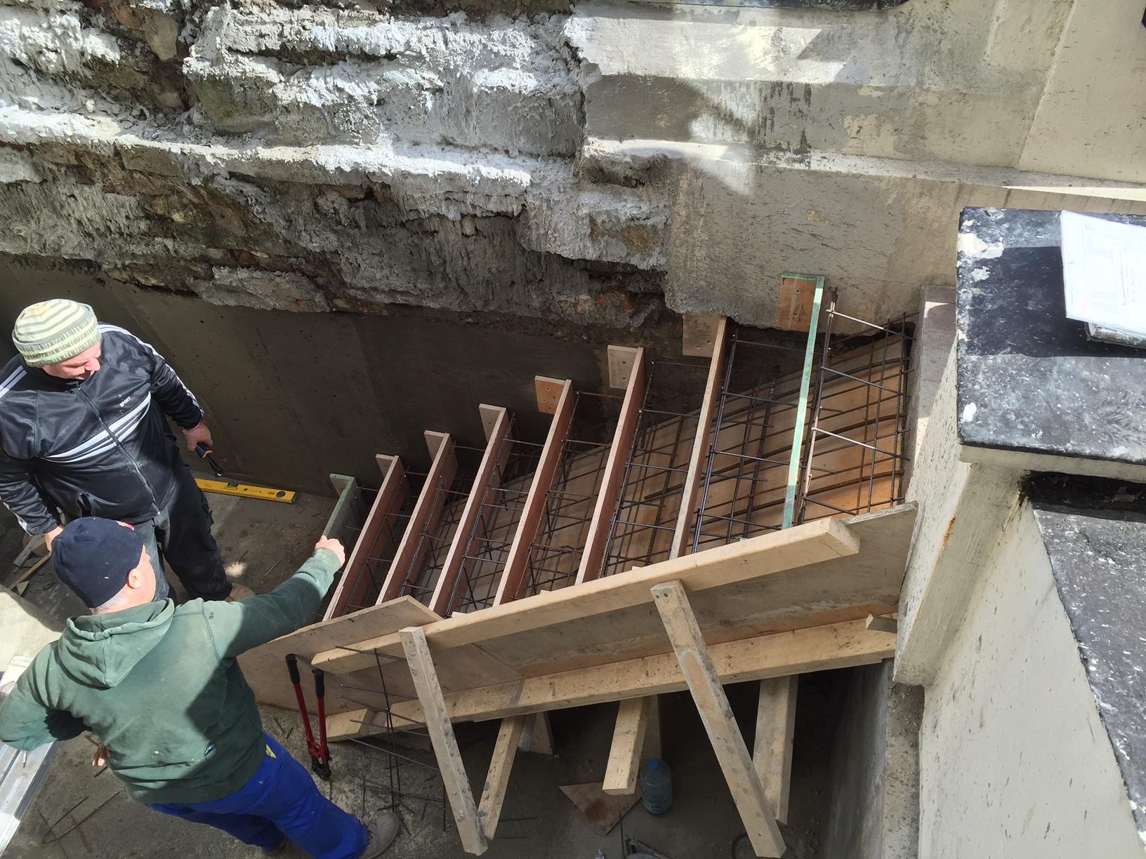 Pinnacle Renovation Projects Building Concrete Steps