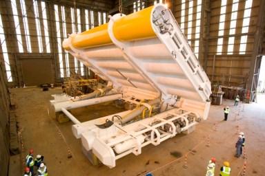 Le barriere mobili di Oyster sfruttano il movimento delle onde per produrre energia