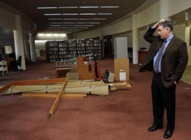 La sala della biblioteca della Cushing Academy, senza libri (foto di Mark Wilson per il Boston Globe