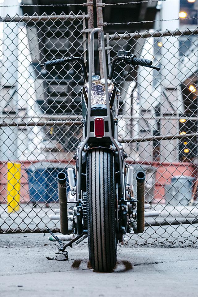 KISSING ASS Federal Moto\u0027s \u0027Bottom Feeder\u0027 Yamaha XS650 Chopper