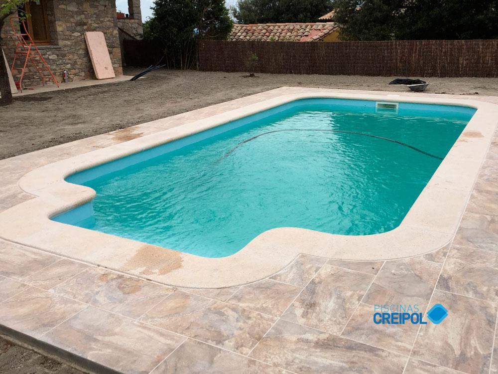 Piscina fibra instalaci n piscina modelo roma en tavertet - Instalacion piscina ...