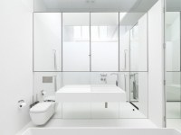 Pure and crisp white bathrooms - Pivotech