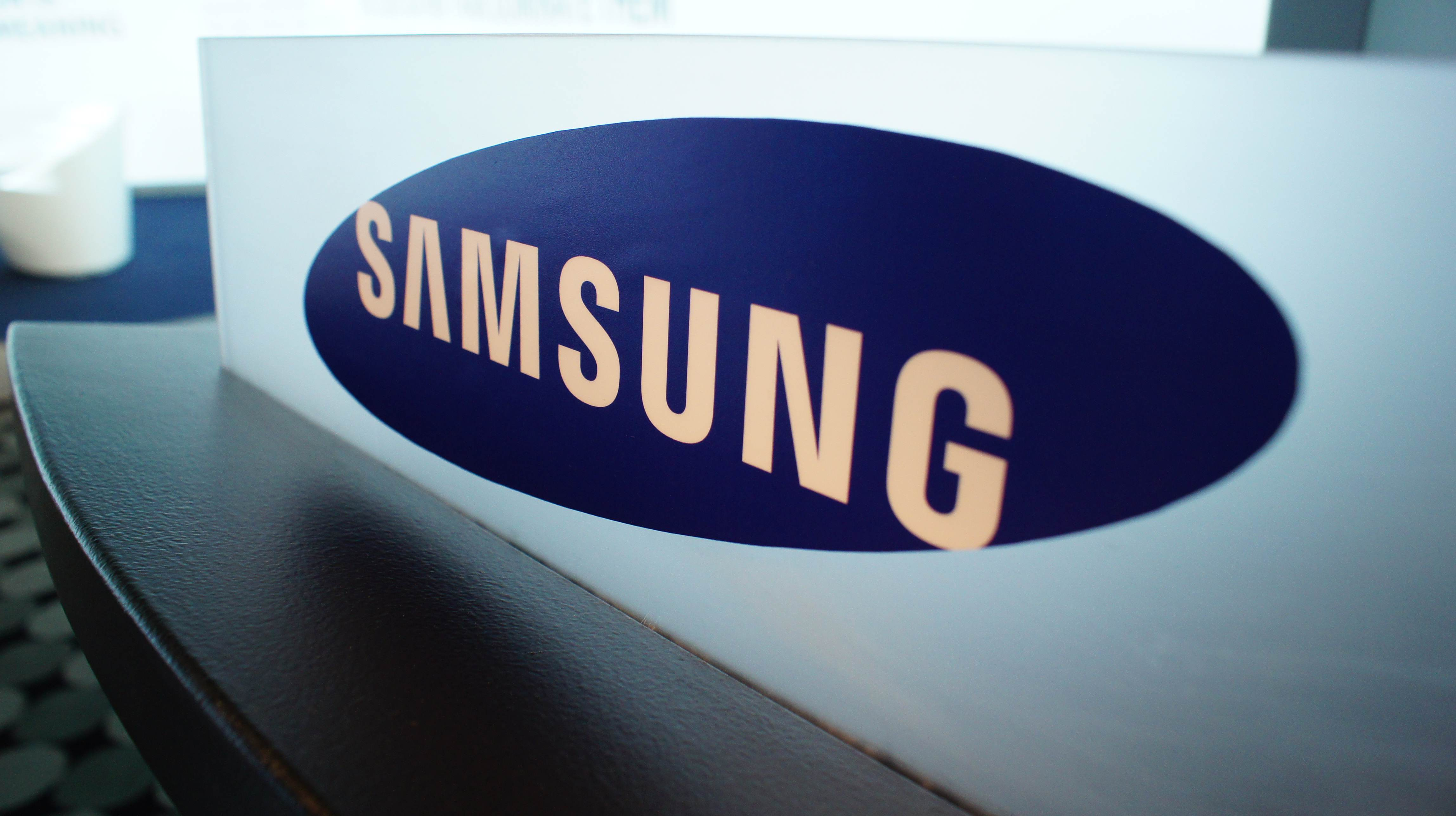 Fall Of The Autumn Hd Wallpaper Samsung Logo Wallpapers Pixelstalk Net