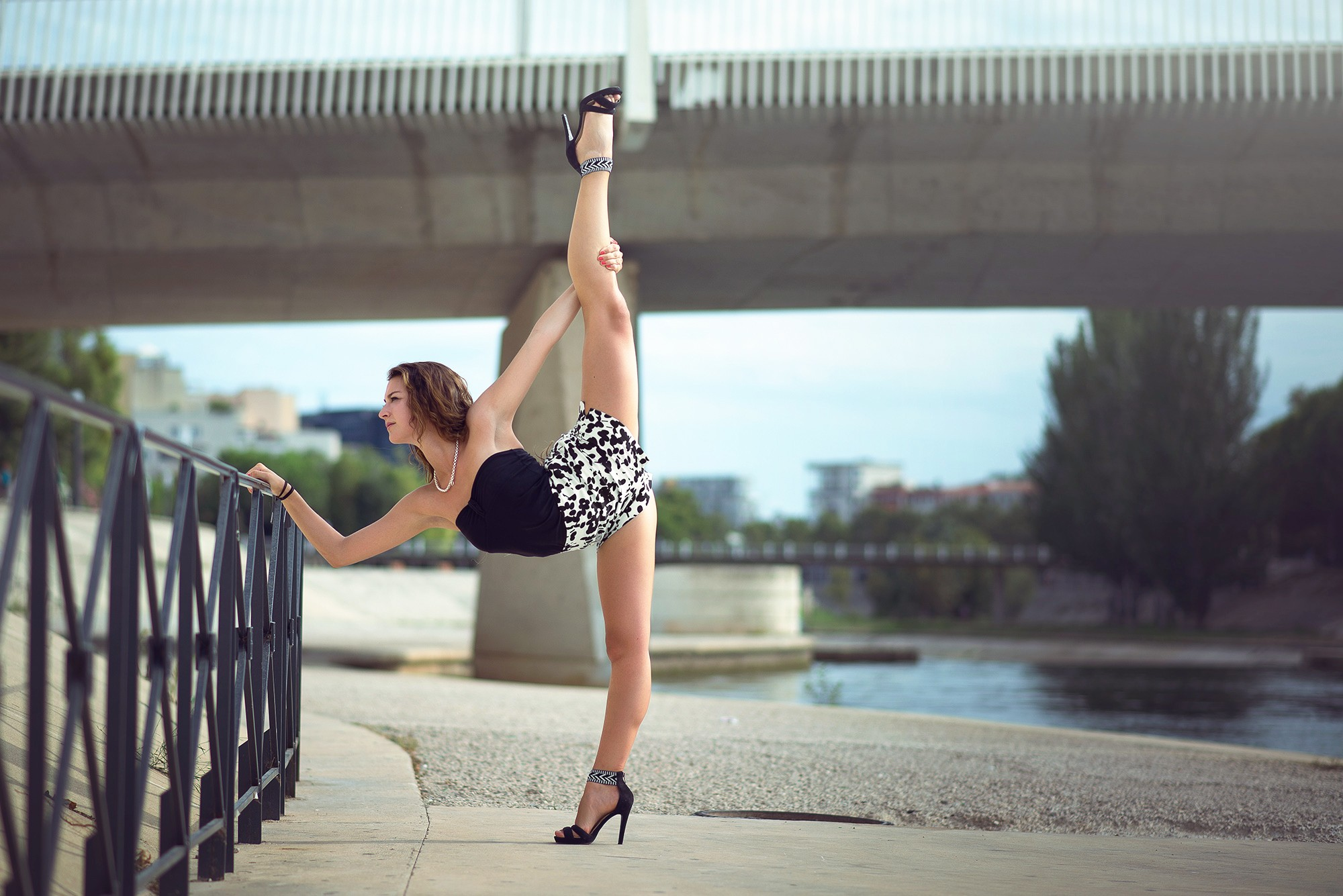 Lovely Girl Wallpaper Download Gymnastics Hd Backgrounds Pixelstalk Net