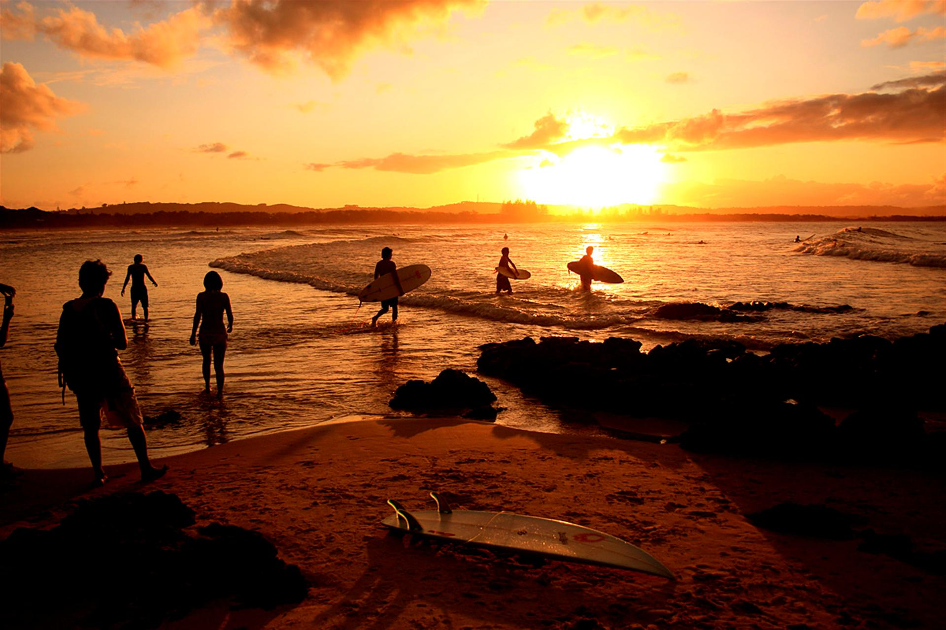 American Beautiful Girl Hd Wallpaper Download Free Surf Beach Backgrounds Pixelstalk Net