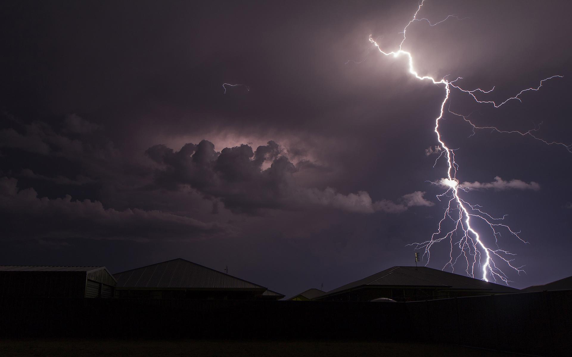 Free Mobile Fall Wallpapers Free Download Lightning Storm Backgrounds Pixelstalk Net