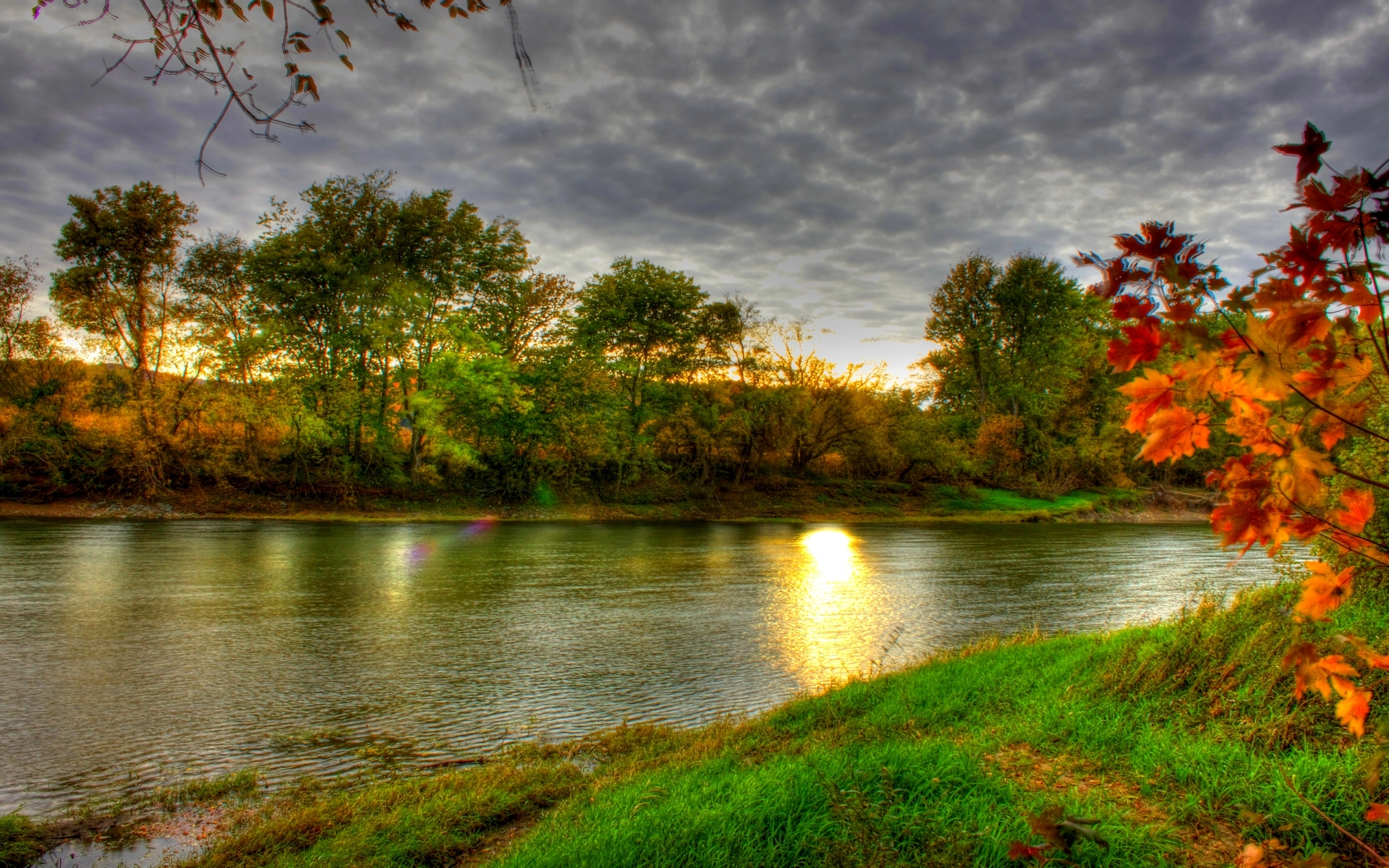 Full Screen Desktop Fall Leaves Wallpaper Autumn River Hd Wallpaper Pixelstalk Net