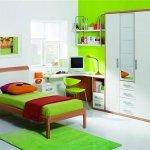 Decoración de interiores con verde intenso