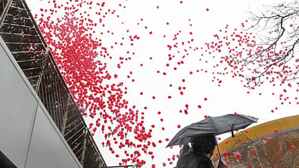 221353-red-balloons_original