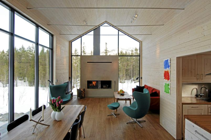 Une chalet design en montagne planete deco a homes world for Chalet design contemporain