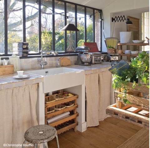 Ginas geräumige und doch heimelig wirkende Küche und der dazu - küchen von ikea