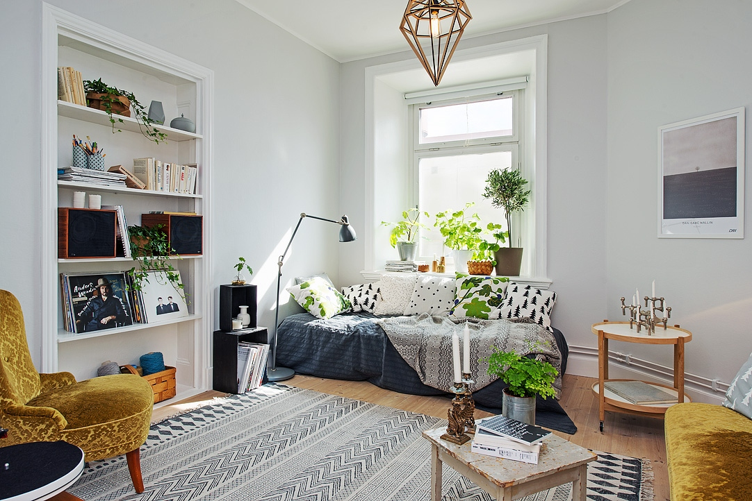 les petites surfaces du jour un studio entre classique et vintage planete deco a homes world. Black Bedroom Furniture Sets. Home Design Ideas