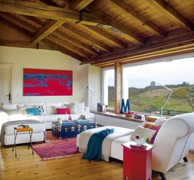 Une maison de campagne en couleur planete deco a homes for Maison de campagne deco