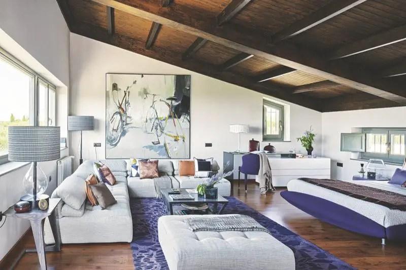 am1. Black Bedroom Furniture Sets. Home Design Ideas