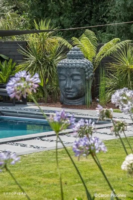 Voici venir le temps des piscines planete deco a homes world for Deco jardin zen bouddha
