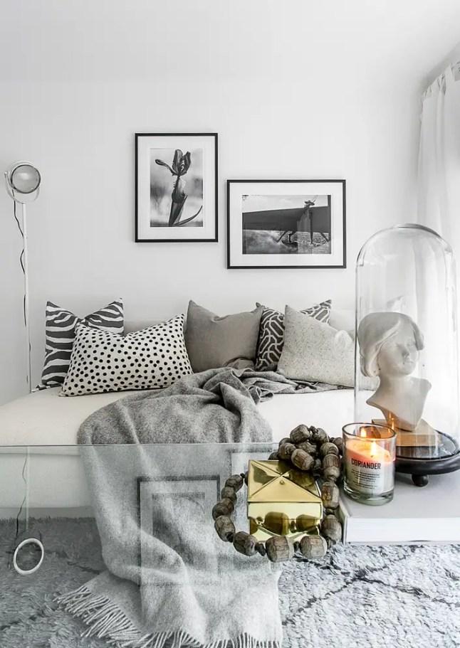 Przyjemny biały salon