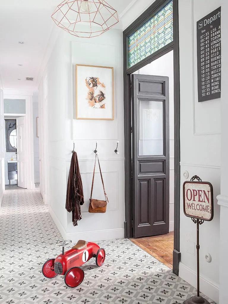 Un appartement entre vintage et classique planete deco a for Deco appartement