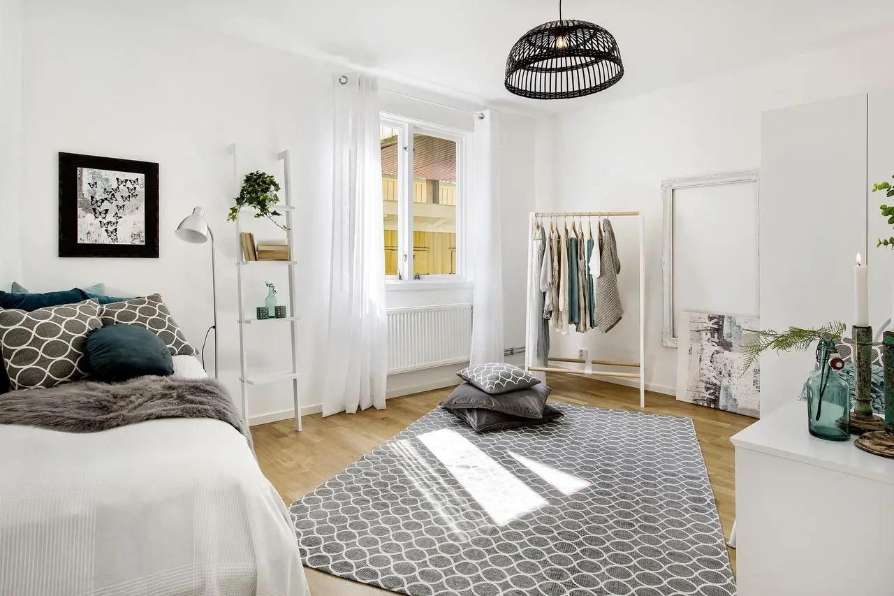 sv11. Black Bedroom Furniture Sets. Home Design Ideas