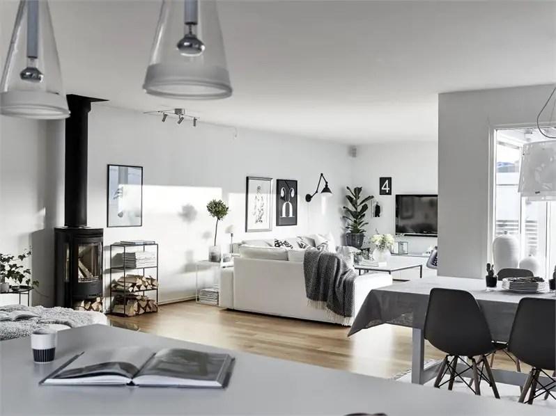 une maison familiale en noir et blanc planete deco a homes world bloglovin. Black Bedroom Furniture Sets. Home Design Ideas