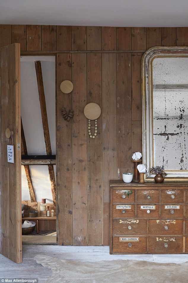 un cottage dans le kent plein de trouvailles planete deco a homes world bloglovin. Black Bedroom Furniture Sets. Home Design Ideas