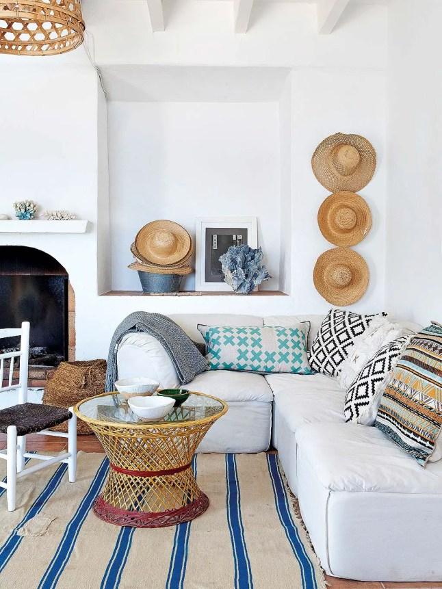 Une maison rustique chic alicante planete deco a homes for Decoration maison rustique
