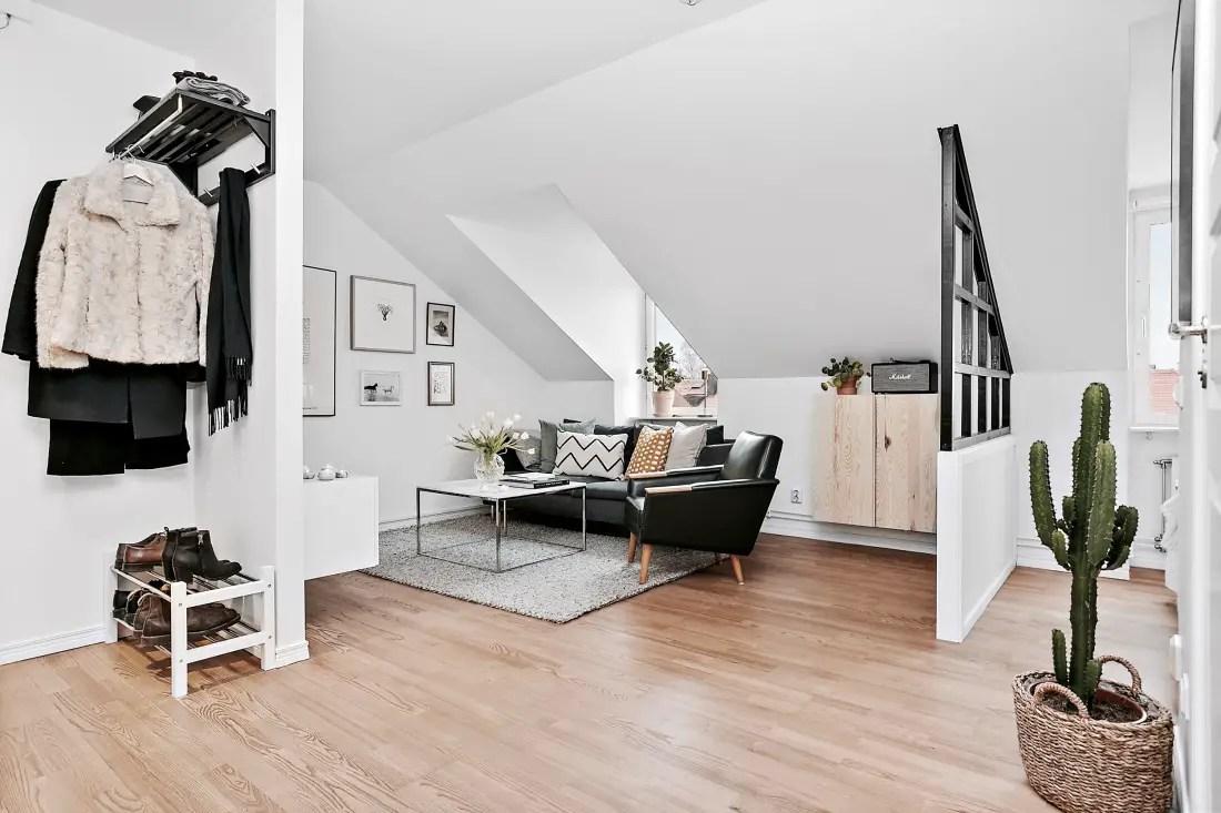 Un petit appartement sous les toits planete deco a homes - Deco appartement petite surface ...