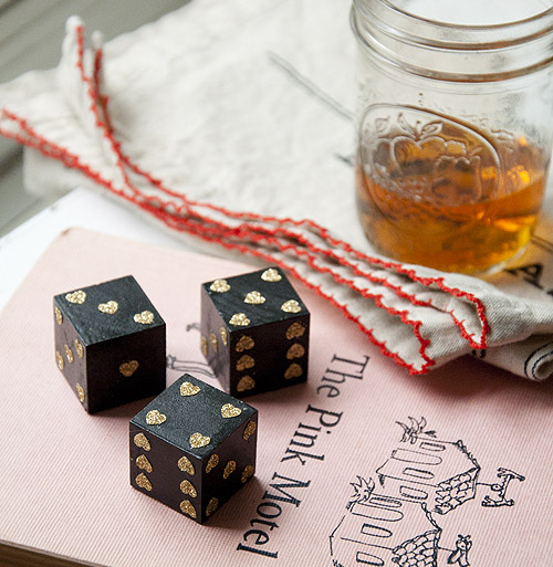 gold hearts dice