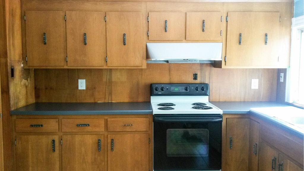temporary kitchen backsplash using renters wallpaper backsplash